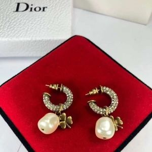 Dior Dimond Fresh water Pearl with Clover Earings